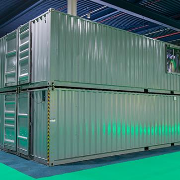 Containers van defensie op de Studiebeurs in Jaarbeurs Utrecht