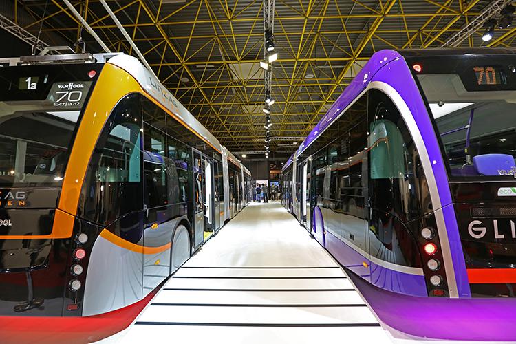 De stand van Van Hool op BusWorld 2017