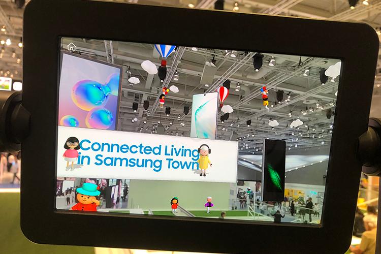 Met een toegevoegde virtuele laag kijk je naar Samsung Town op IFA Berlin