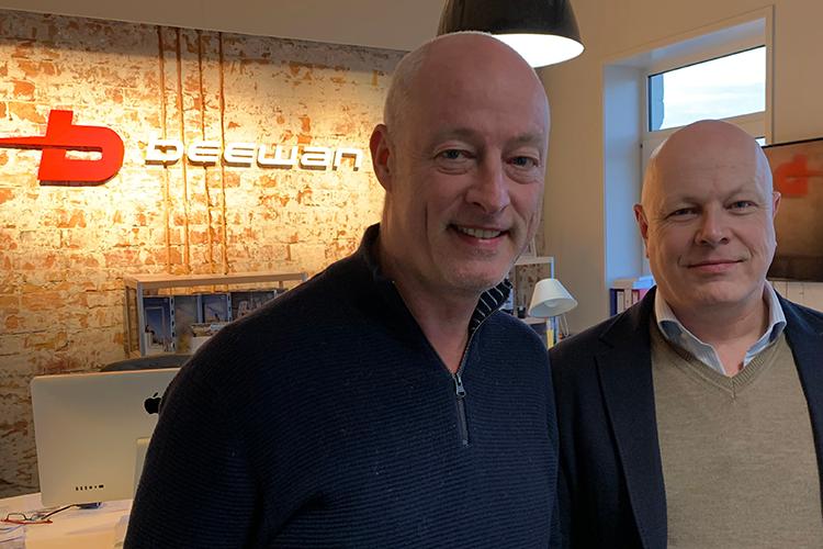 Beewan-directeuren Jan van Seventer en Rob van Rijswijk geven uitleg over de ROI-meting van Dutch Dubai