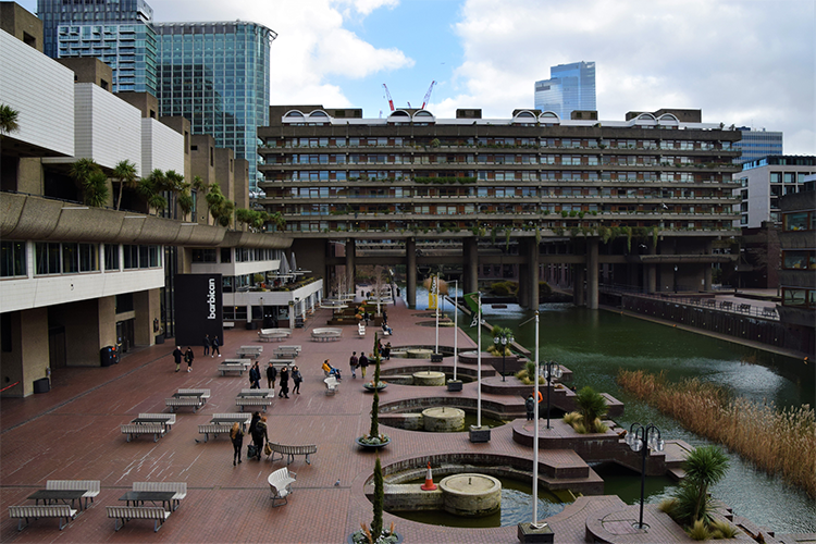 Barbican Centre en Estate London | © VV Shots